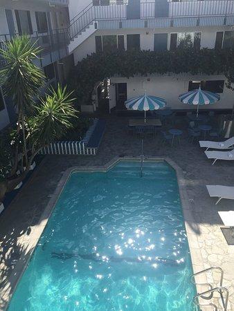Beverly Laurel Motor Hotel: photo1.jpg