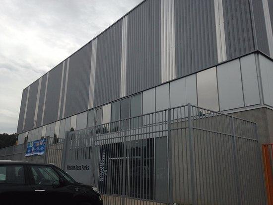 Clichy-Sous-Bois, Francia: Façade extérieure et entrée du public
