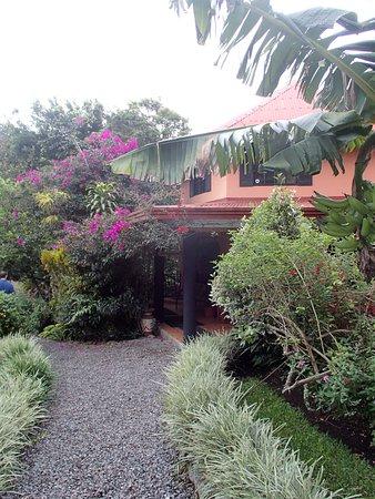 Boquete Garden Inn: Mooie entree.