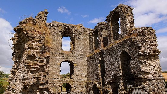 Clun, UK: The remains of the keep