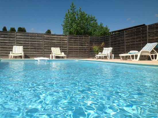 Gites de la Condamine : piscine