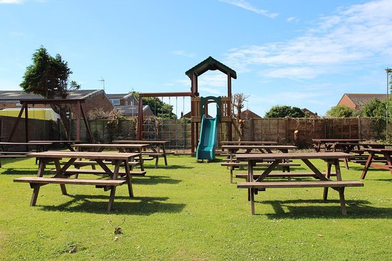 The White Horse: Take a look at some up to date photos of the pub and garden after some recent refurbishments .