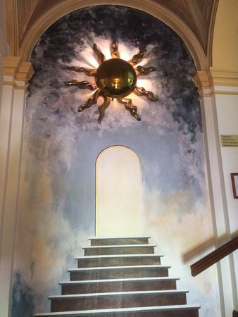 "Genarp, Sweden: Målning i slottets trappa. "" Himlaporten""."