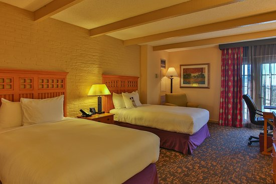 DoubleTree by Hilton Hotel San Antonio Airport: Two Double Guestroom