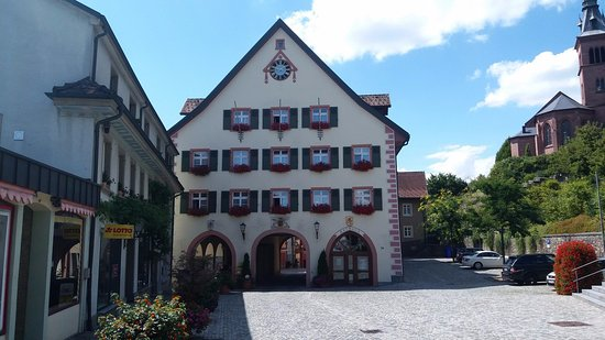 Hotel Rebstock Laufenburg: Entrance to the old town where the restaurant is located