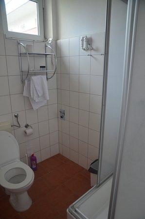 A&B Apartment & Boardinghouse Berlin: Bathroom