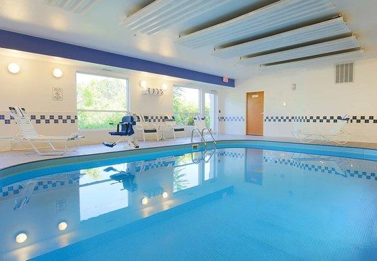 Fairfield Inn Zanesville: Indoor Pool