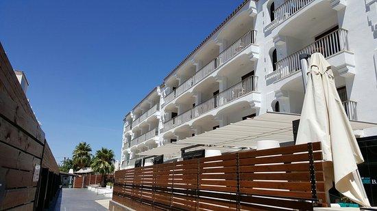 Costa Dorada, España: Plage à 50m de l'hôtel