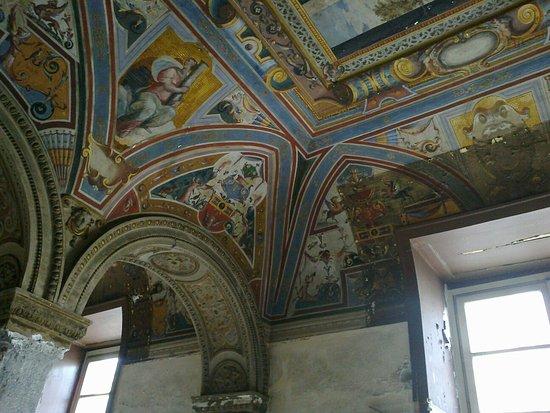 Castel Capuano: 04052013141_large.jpg
