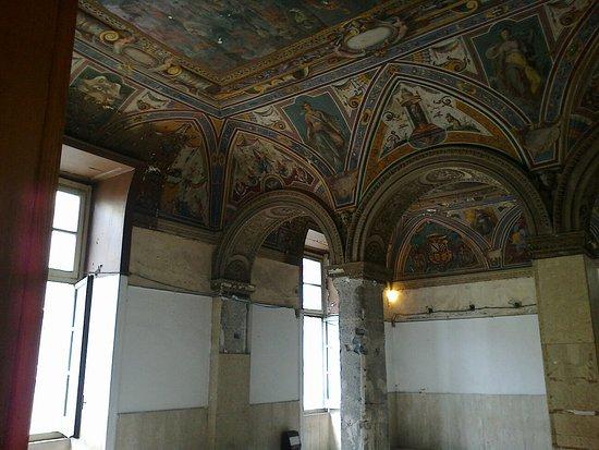 Castel Capuano: 04052013139_large.jpg