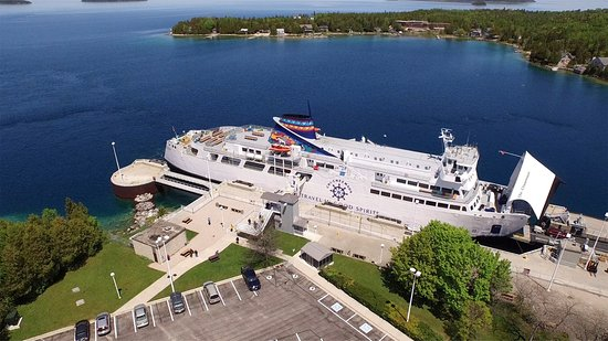 Tobermory, Kanada: Chi-Cheemaun docked in Tobermor, ON