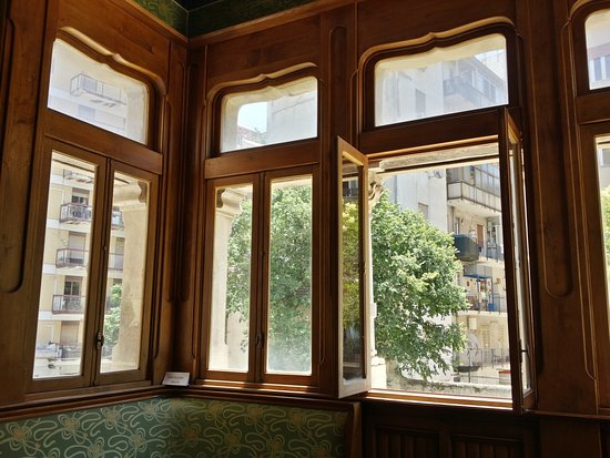 Finestre in stile al piano terra picture of villino florio palermo tripadvisor - Finestre liberty ...