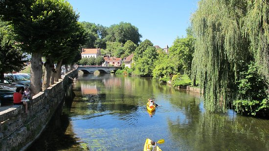 Excideuil, Франция: Nearby Brantôme is a great place for a leisurely paddle!