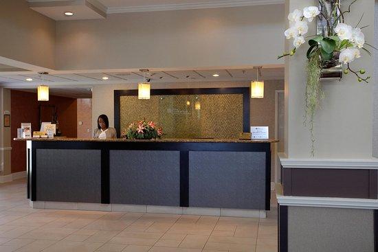 Hilton Garden Inn Chattanooga / Hamilton Place: Front Desk