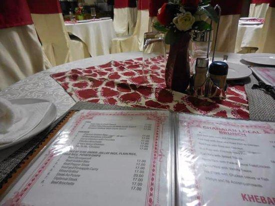 Koforidua, Ghana: Menu and table set up