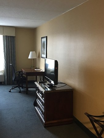 Holiday Inn Express State College, Williamsburg Square: photo5.jpg