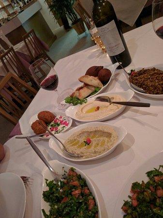 Aux lilas montr al outremont restaurant avis num ro - Cuisine libanaise montreal ...