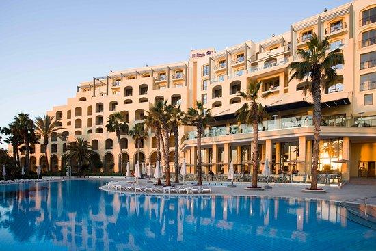 Hilton Malta: Pool View