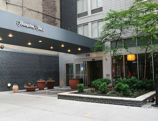 Hampton Inn Manhattan - Madison Square Garden Area: Hotel Exterior