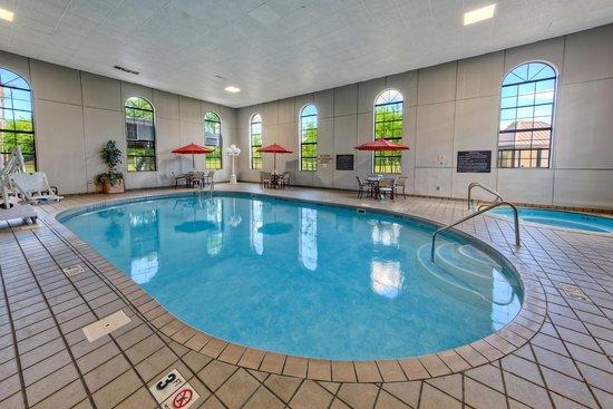 Clarksville, أركنساس: Indoor Pool & Whirlpool