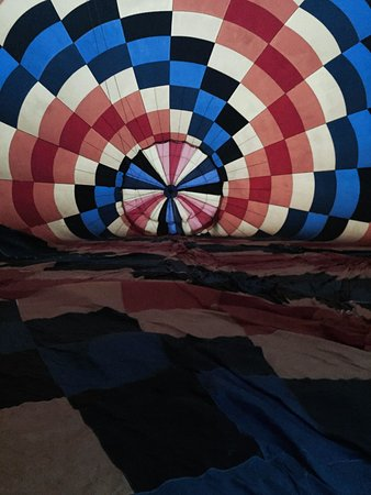 Aurora, OR : The start of adventure-blowing up the balloon