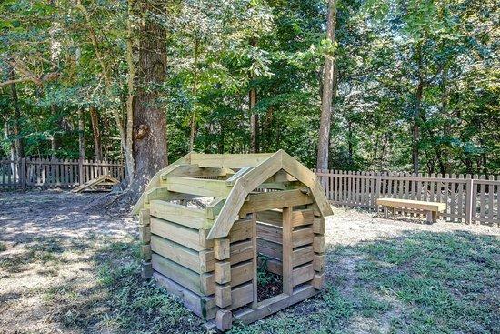 Williamsburg / Busch Gardens Area KOA: Kamp K9