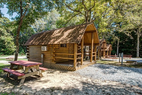 Williamsburg KOA Campground: Cabins