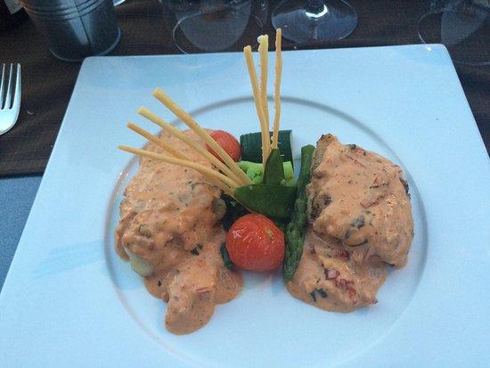 Seltz, Frankreich: Quel régal !! Médaillon de lotte, tomate séchée et basilic.