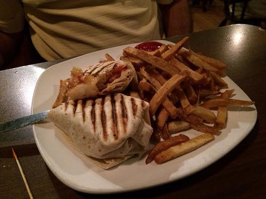 Mansfield, PA: Cajun Shrimp Wrap and fries