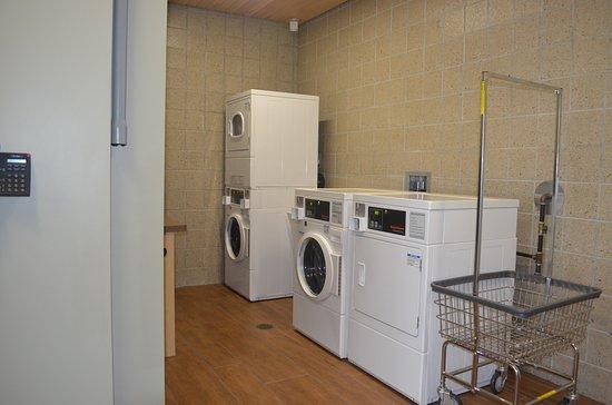 Dubuque, IA: Boater's laundry facilities