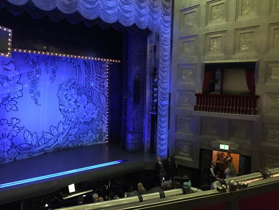 Balcony seat picture of savoy theatre dreamgirls for Balcony seating
