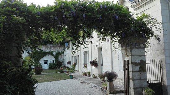 Saint-Julien-de-Chedon, France: Jardin de CANAAN