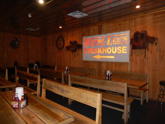 Benton Lee's Steak House: Interior