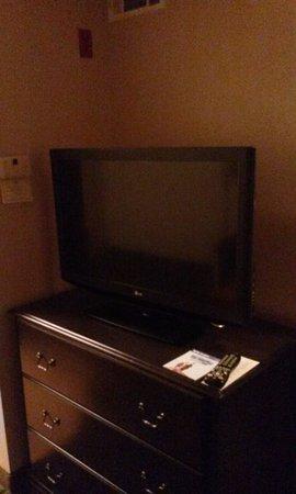 Homewood Suites by Hilton Phoenix / Scottsdale: TV in Kit/sitting area
