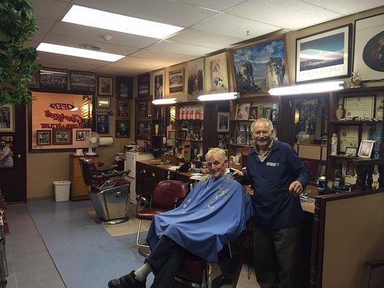 Prince George, Kanada: Georges barber shop