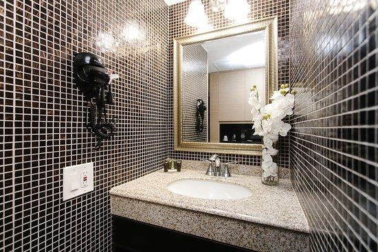 Ocean Beach Club Hotel Rooms Bathrooms