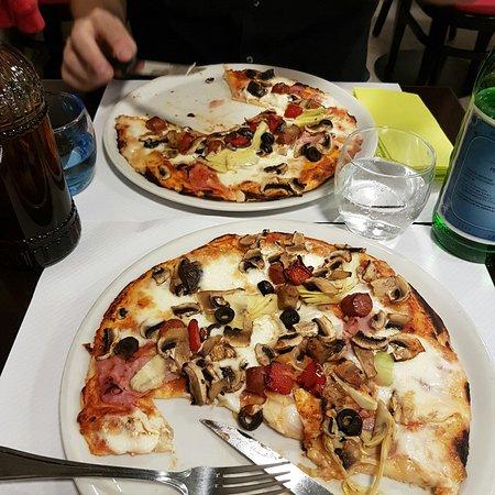 Pizzeria Elena照片