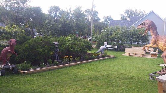 Heartwood Inn and Spa: Deck/Yard