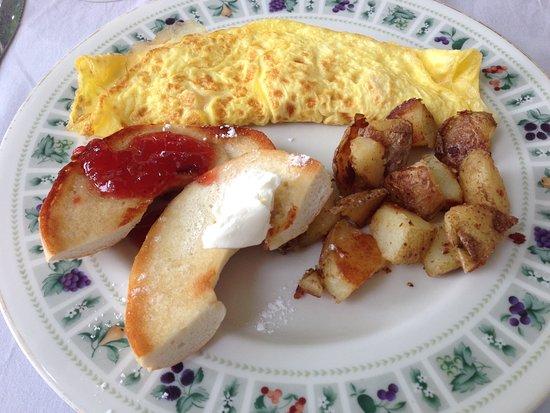 Ocean City Mansion: Breakfast