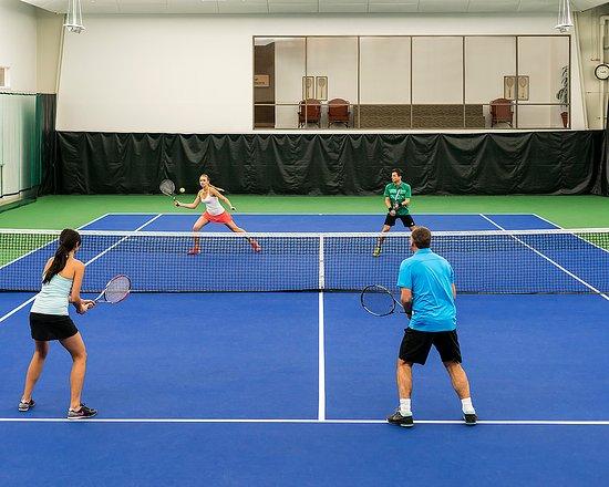 Four Seasons Resort and Club Dallas at Las Colinas: Indoor Tennis