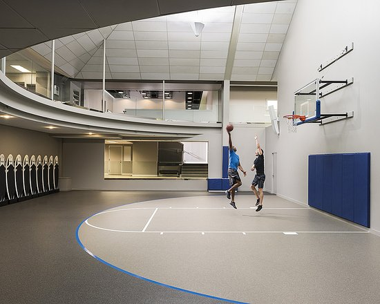 ‪‪Four Seasons Resort and Club Dallas at Las Colinas‬: Basket Ball Court‬