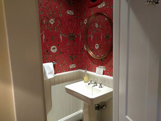 The Hob Knob: Guest powder room