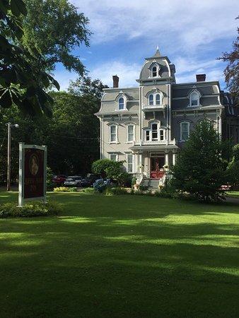 Hillsdale House Inn: photo0.jpg