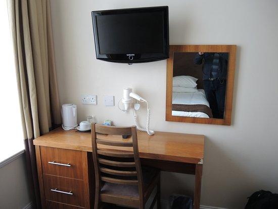 The Sandyford Hotel: Бюджетный отель для нетребовательных туристов