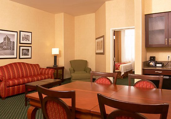 SpringHill Suites Memphis Downtown: Executive Business Suite