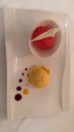 Golf & Country Club Gut Altentann: The raspberry and tarragon, and peach and mango sorbets.
