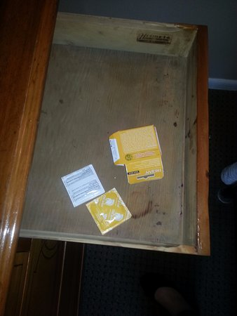 Weatherford Hotel: This is what was in our dresser. Do they even bother cleaning the rooms between guests?