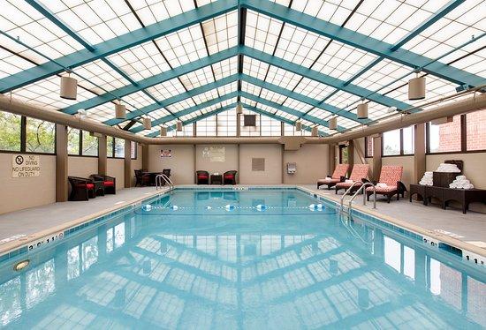 Vernon Hills, Ιλινόις: Heated Indoor Salt Water Pool