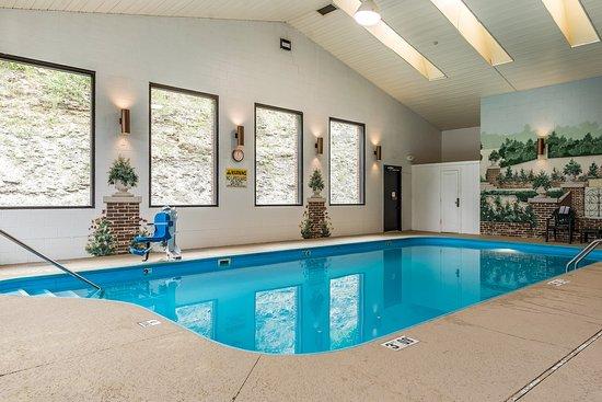 Zanesville, OH: Pool