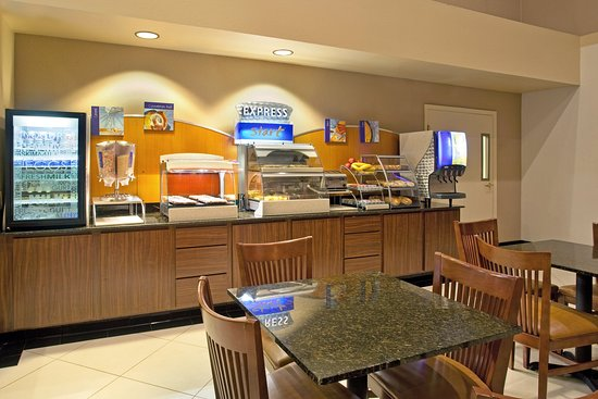 Holiday Inn Express Hotel & Suites Rancho Mirage - Palm Spgs Area: Breakfast Bar